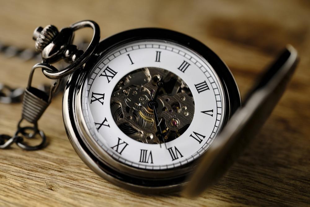 Python] datetimeでタイムゾーンを扱う(pytz利用、UTC/JSTの